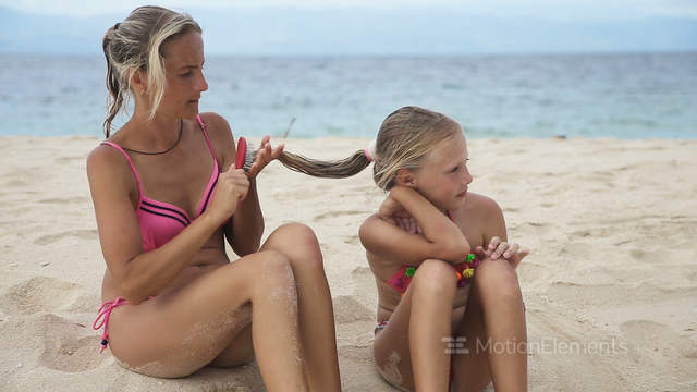 Assured, that tanning mom beach late
